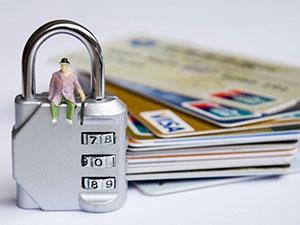 信用卡附属卡是谁的名字 附属卡有额度吗