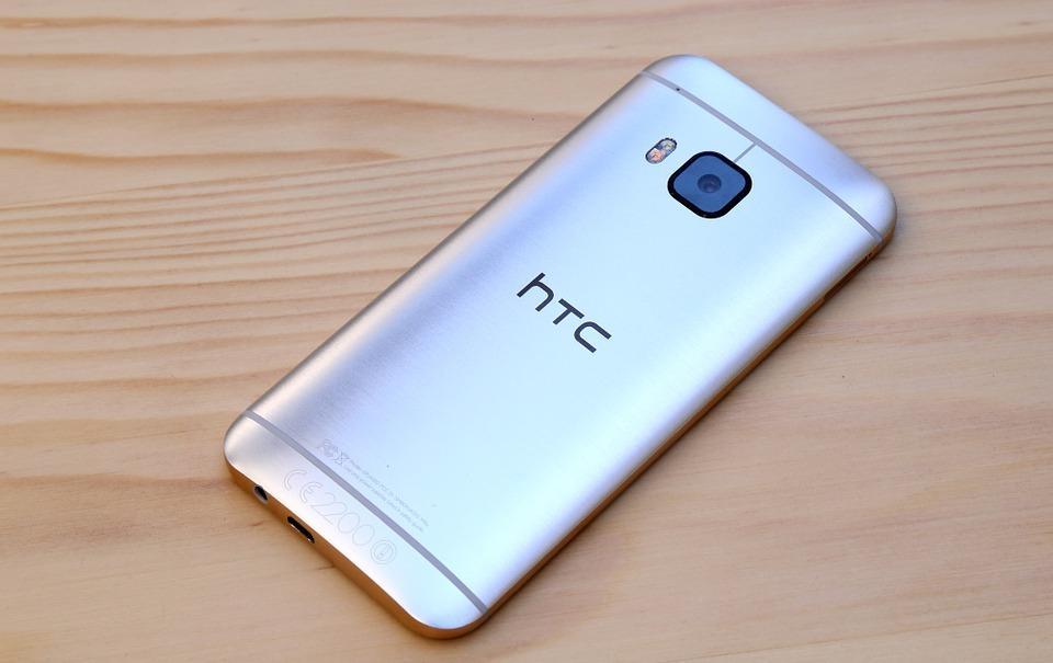 王雪红复出能救HTC吗?